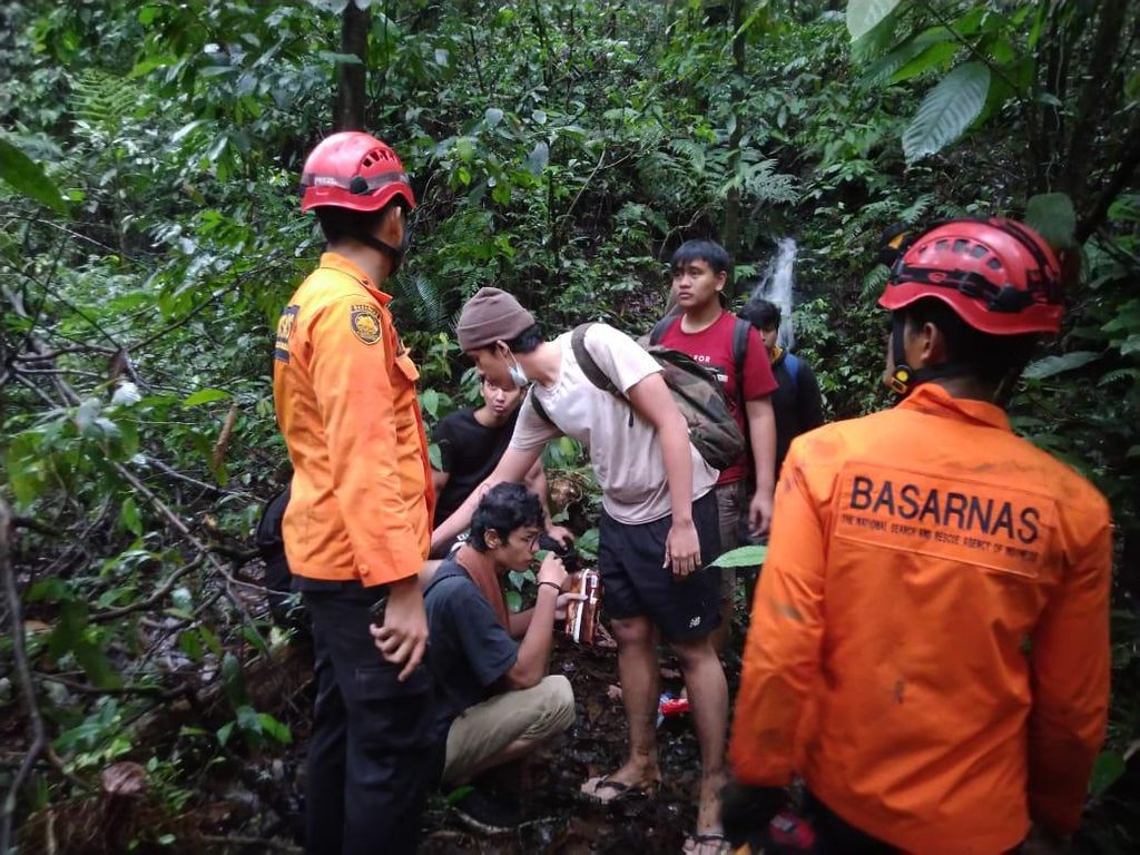 7 Warga Medan Tersesat Saat Cari Rute Wisata Pakai Google Maps di Hutan