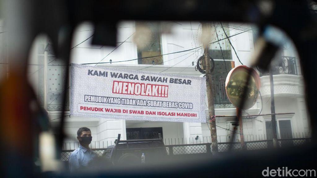 Ini Spanduk Tolak Pemudik Tanpa Swab Masuk Jakarta