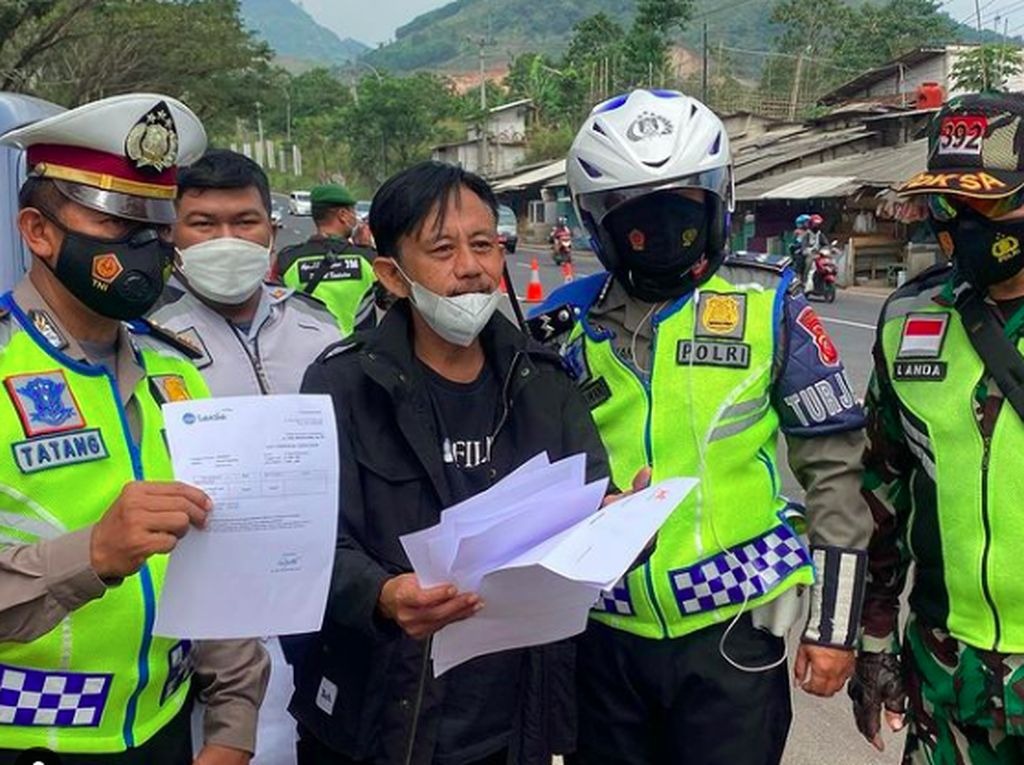 Fakta Sebenarnya di Balik Senyum Epy Kusnandar Dicegat Polisi Penyekatan Mudik