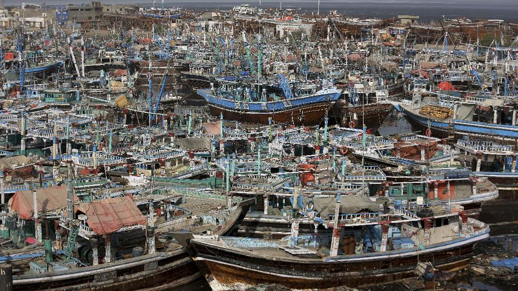 Kapal Nelayan India-Pakistan Mati Suri Gegara Topan Tauktae