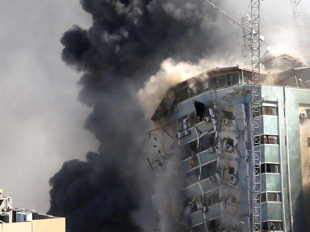 Serangan Udara Israel Coba Bungkam Suara Media Internasional