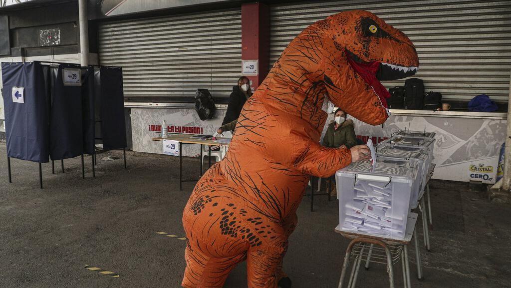 Saat Dinosaurus Ikut Sumbang Suara dalam Pemilu di Chile