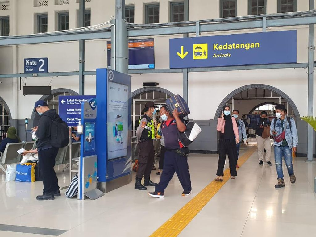 Senin Ini Jakarta Kedatangan 2.100 Penumpang KA Jarak Jauh