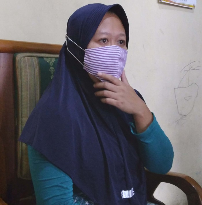 Warga Malang, Jawa Timur, Melati, diteror 24 debt collector hingga nyaris bunuh diri