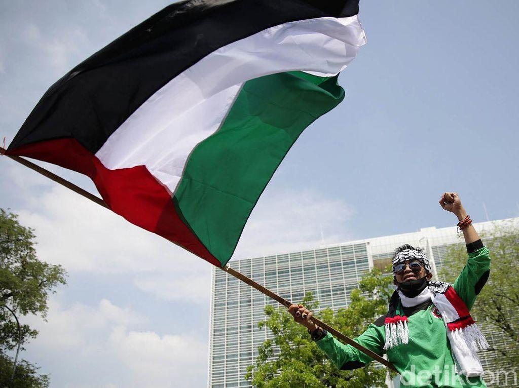 Buruh Gruduk Kedubes AS Kecam Aksi Israel
