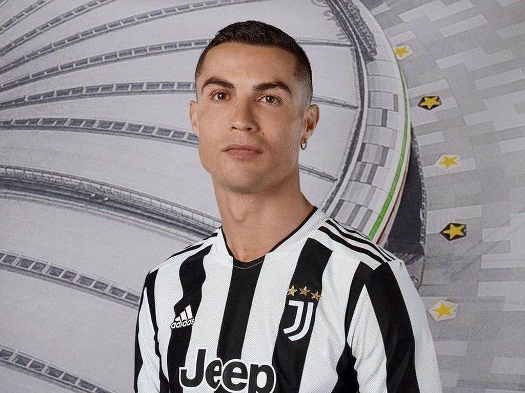 Juventus Rilis Jersey Home 2021/2022