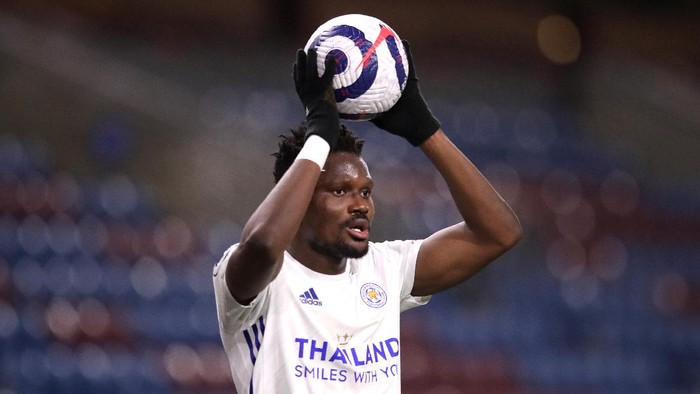 BURNLEY, ENGLAND - MARCH 03: Daniel Amartey of Leicester City during the Premier League match between Burnley and Leicester City at Turf Moor on March 03, 2021 in Burnley, England. Sporting stadiums around the UK remain under strict restrictions due to the Coronavirus Pandemic as Government social distancing laws prohibit fans inside venues resulting in games being played behind closed doors. (Photo by Alex Pantling/Getty Images)