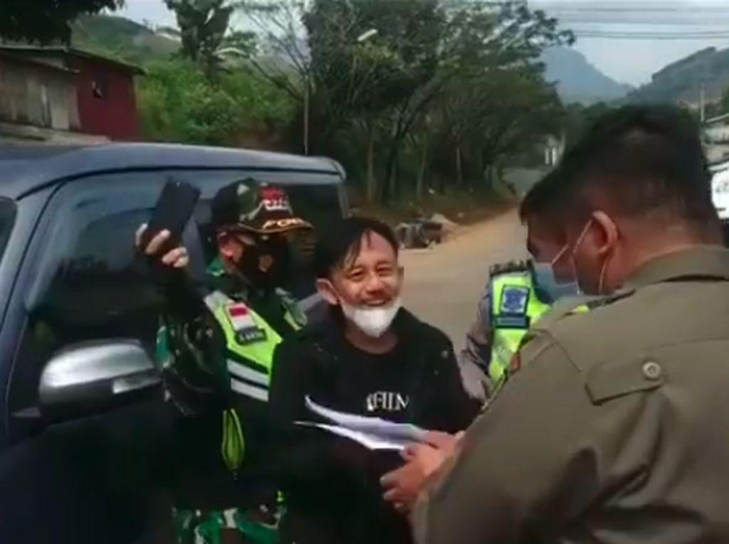 Heboh Kang Mus Kena Penyekatan Mudik, Netizen: Adem, Nggak Marah-marah