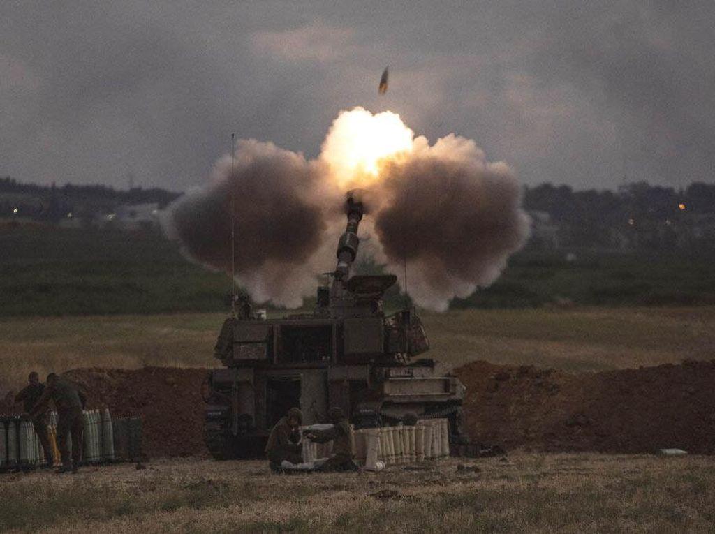 Detik-detik Roket Lebanon Melintas di Langit Israel Terekam Kamera
