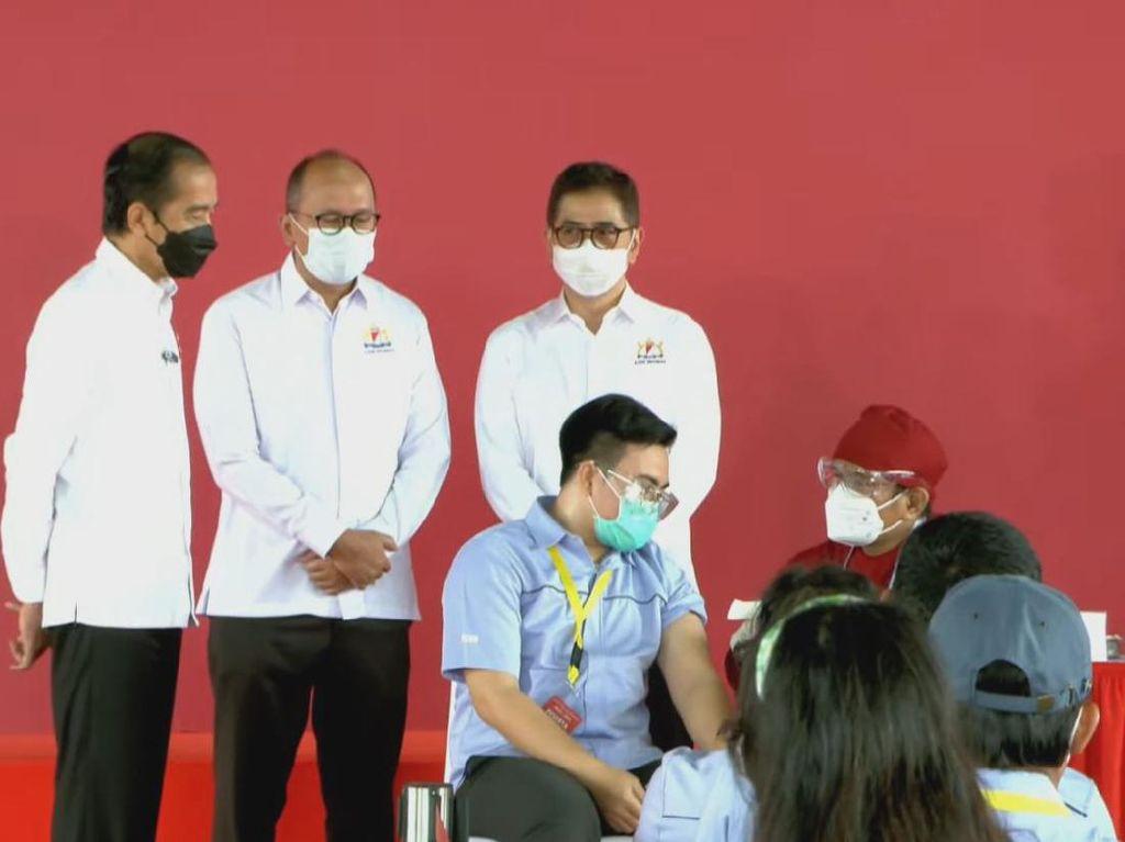 Harapan Jokowi dengan Dimulainya Vaksinasi Gotong Royong di Industri