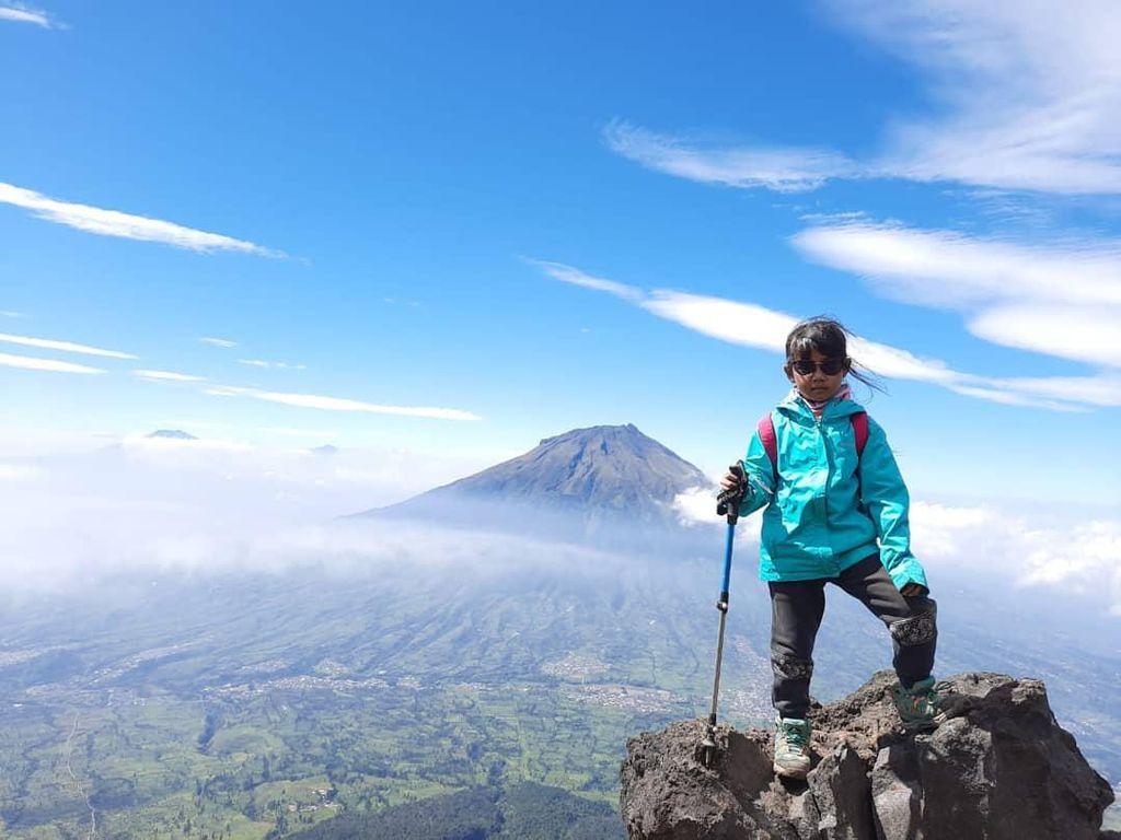 Keren! Bocah 10 Tahun Asal Cimahi Taklukkan 10 Gunung di Indonesia