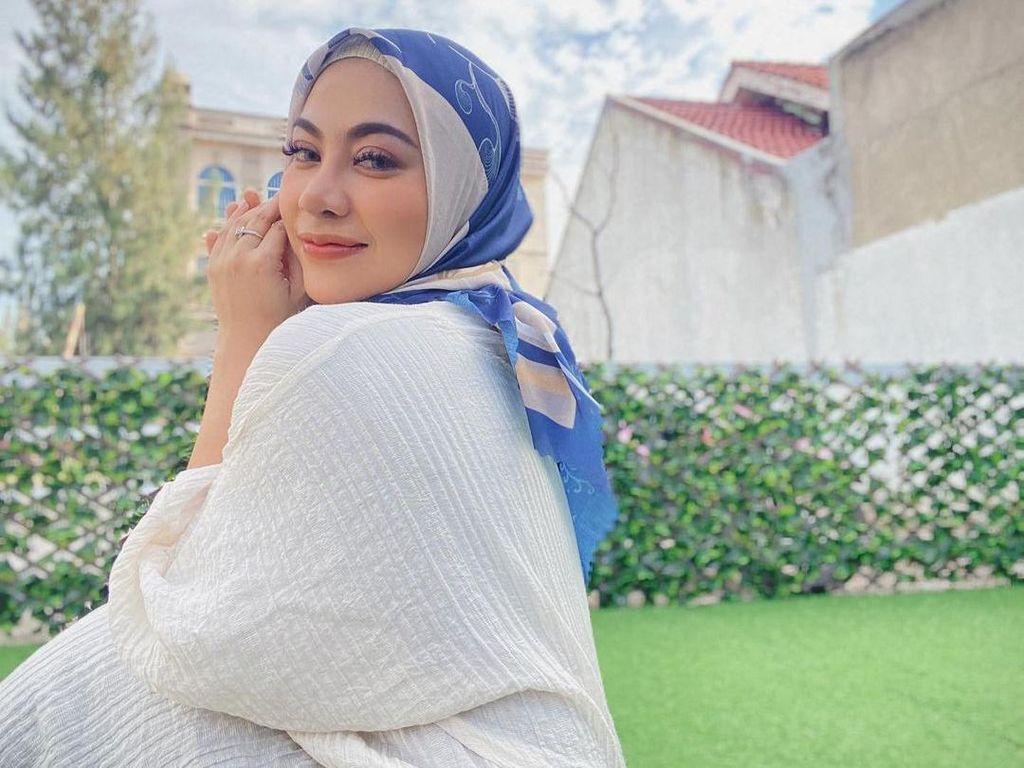 Bule Berlin Mualaf Karena Video Mengaji Liza Aditya