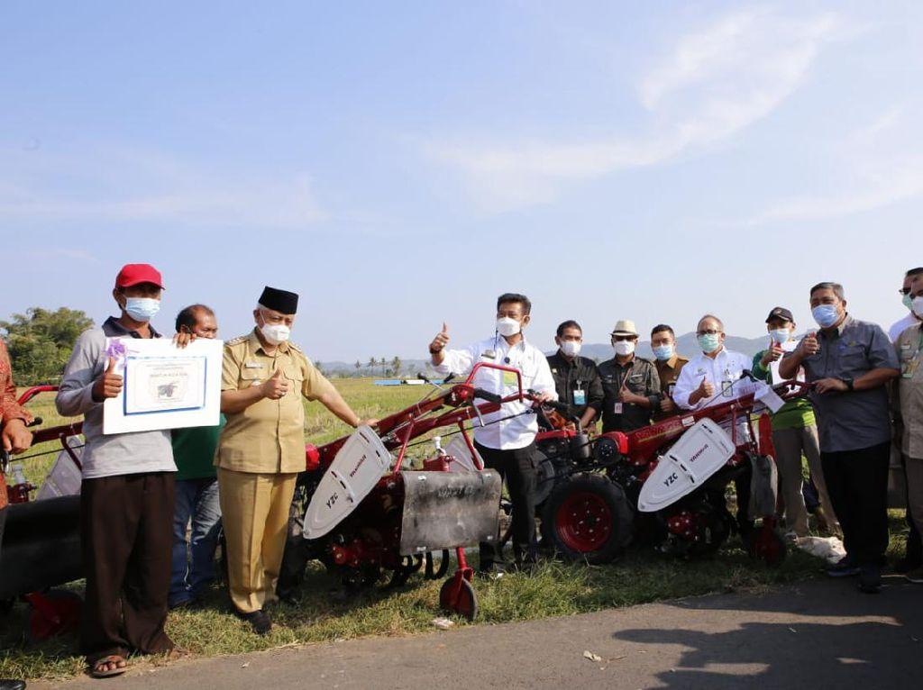 Bupati Malang Puji Mentan yang Beri Bantuan Alsintan untuk Petani