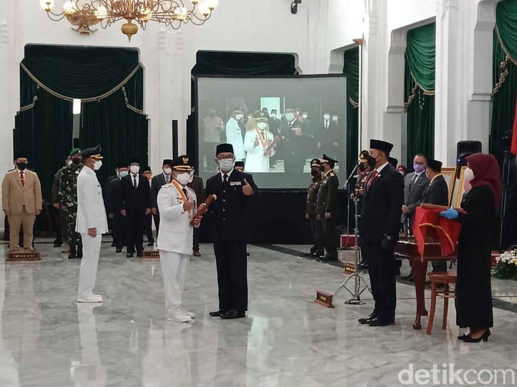 Lantik Bupati Cianjur, Ridwan Kamil Titip Genjot Pertanian-Pariwisata