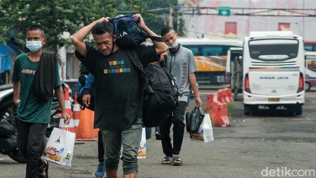 Penumpang Bus Kembali Wara-wiri di Terminal Baranangsiang