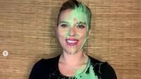 Scarlett Johansson Ngamuk Wajahnya Belepotan Saat Siaran Live Gegara Suami
