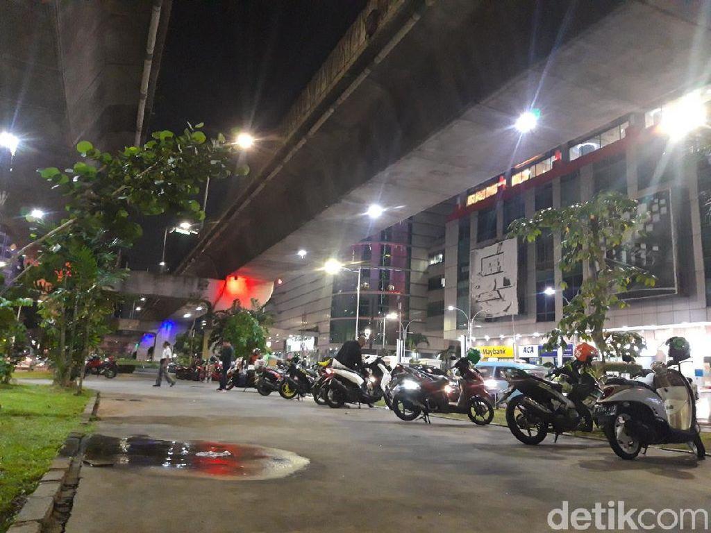 Polisi Bakal Tangani Pemotor Penerobos Trotoar Tengah Jl Satrio Kuningan