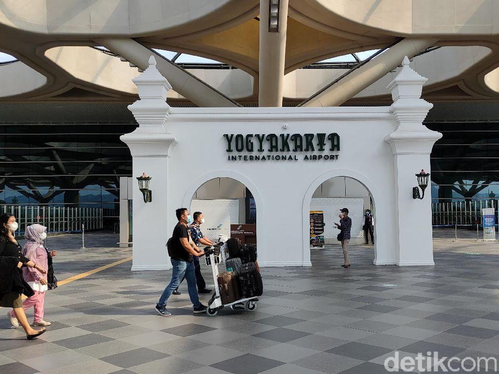 Sehari Usai Larangan Mudik, 7 Ribuan Penumpang Padati Bandara Yogya
