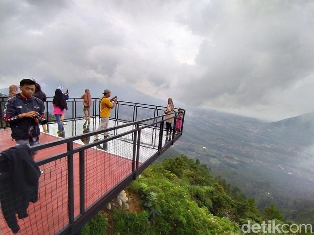 Foto: Ada yang Baru dan Cantik di Gunung Telomoyo Nih!