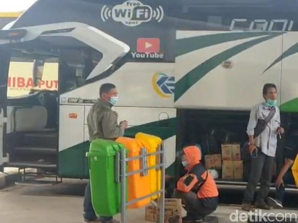 Calon Penumpang di Terminal Garut Wajib Punya Surat Bebas Corona