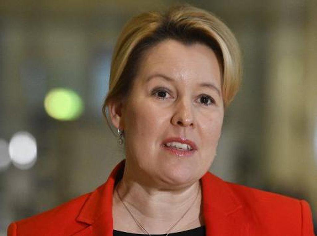 Dituduh Plagiat, Menteri Urusan Keluarga Jerman Mengundurkan Diri