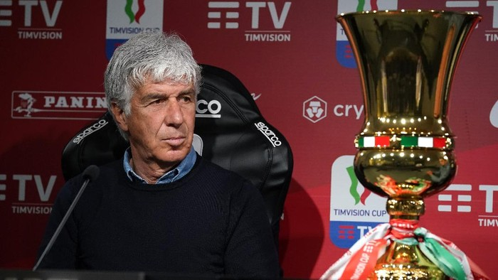 REGGIO NELLEMILIA, ITALY - MAY 18: Head coach of Atalanta BC Gian Piero Gasperini speaks with the media during an Atalanta BC press conference ahead of the TIMVISION Cup Final between Atalanta BC and Juventus on May 18, 2021 in Reggio nellEmilia, Italy. (Photo by Claudio Villa/Getty Images for Lega Serie A)