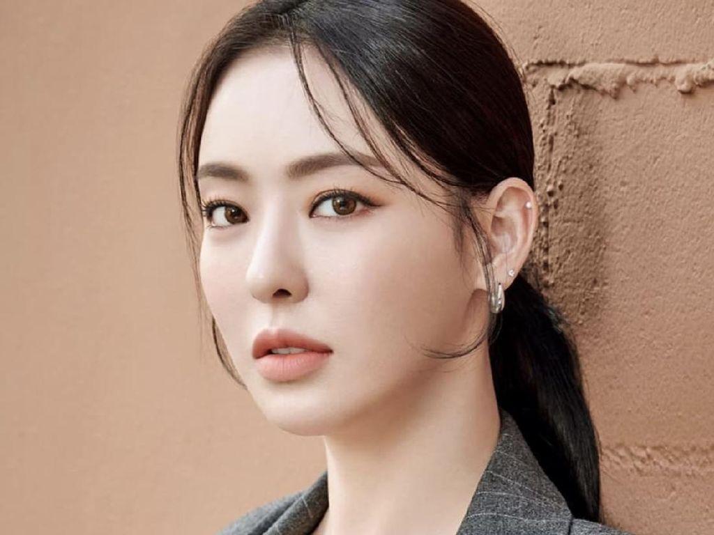 8 Potret Cantik Lee Da Hee, Calon Pengganti Seo Ye Ji di Drakor Island