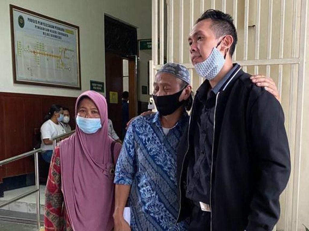 Cerita Lengkap Nenek di Surabaya Kehilangan Rumah Usai Sertifikat Dipinjam Tetangga