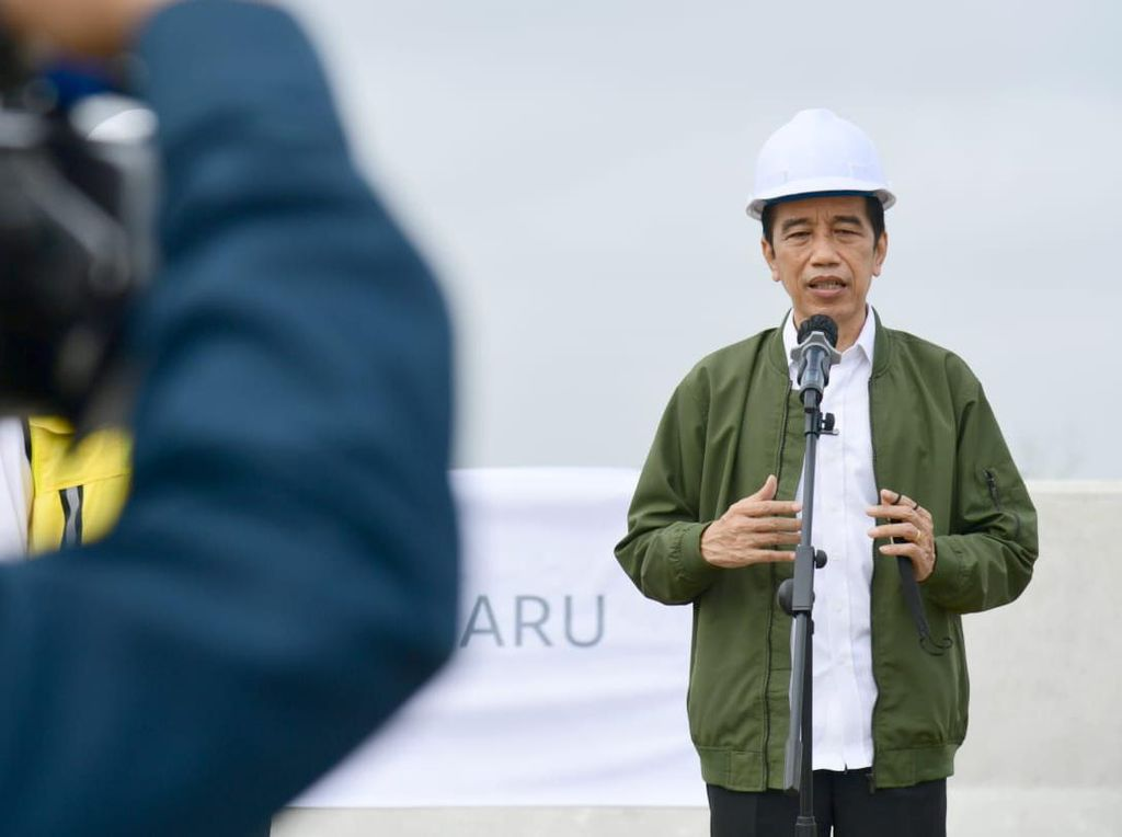 Jokowi Sebut Provinsi Padang Saat Tinjau Tol, Istana Beri Penjelasan