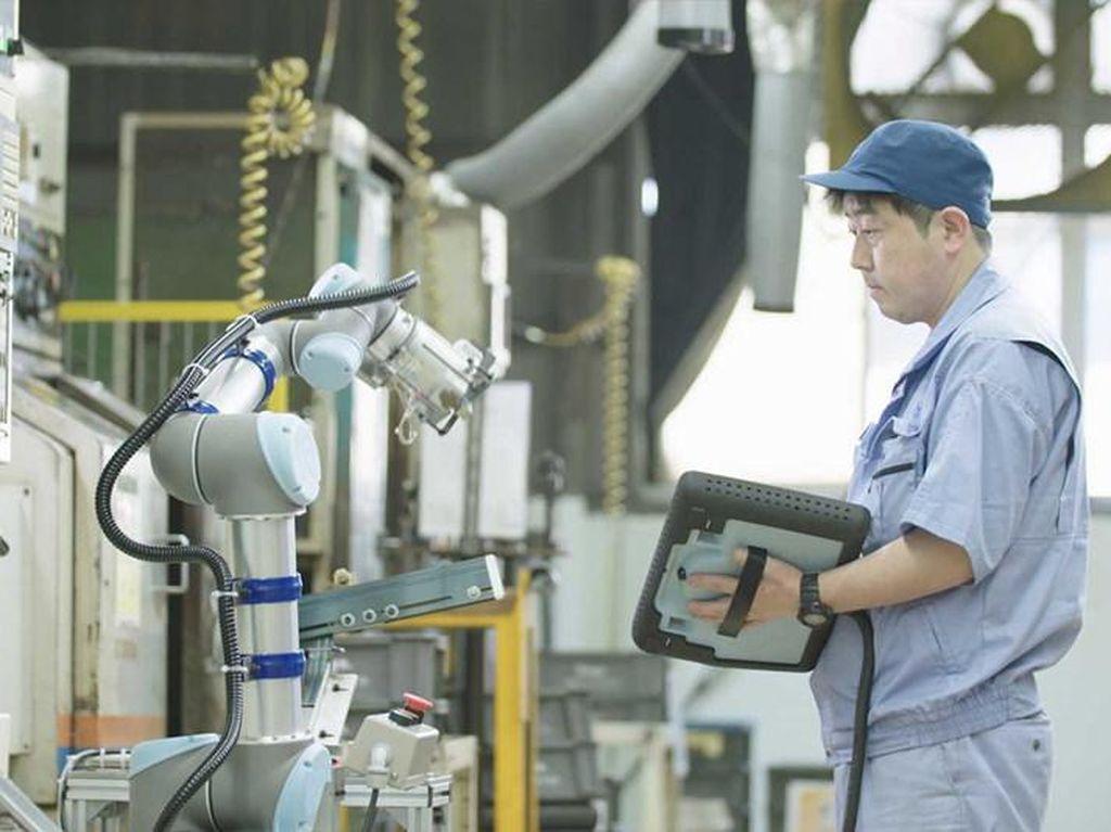 Mengenal Teknologi Cobot, Robot Canggih Penghasil Cuan