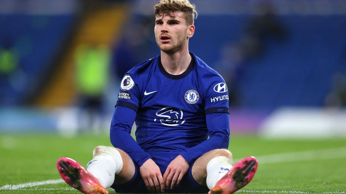 LONDON, ENGLAND - MAY 18: Timo Werner of Chelsea looks on  during the Premier League match between Chelsea and Leicester City at Stamford Bridge on May 18, 2021 in London, England. A limited number of fans will be allowed into Premier League stadiums as Coronavirus restrictions begin to ease in the UK following the COVID-19 pandemic. (Photo by Catherine Ivill/Getty Images)