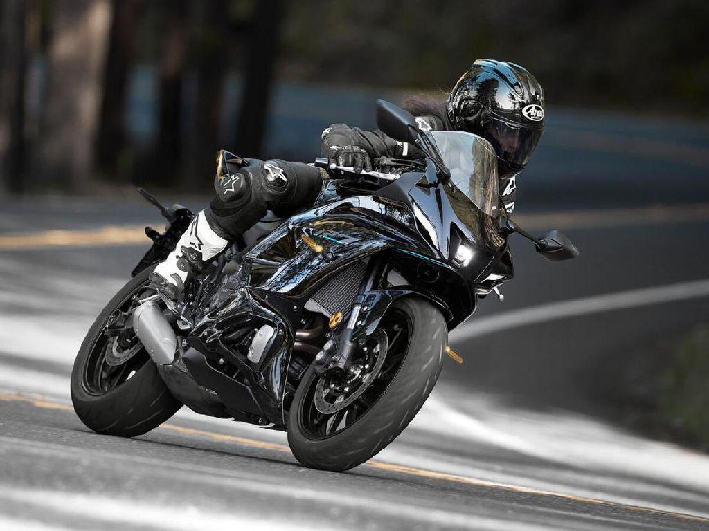Kenapa Mesin Yamaha R7 Cuma 2 Silinder?