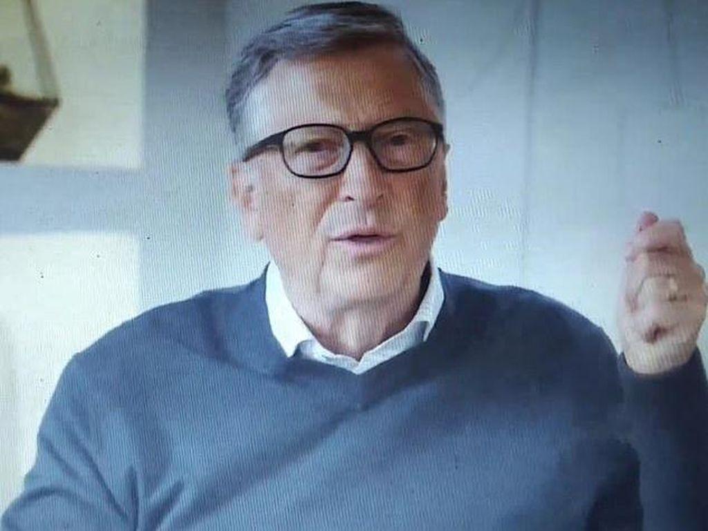 Penampakan Bill Gates Keluar dari Persembunyian