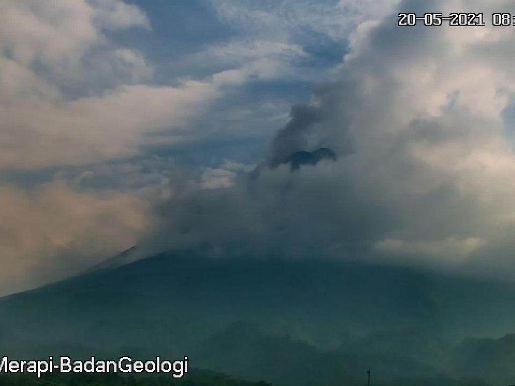 Gunung Merapi Erupsi Siang Ini, Luncurkan Awan Panas Sejauh 3 Km