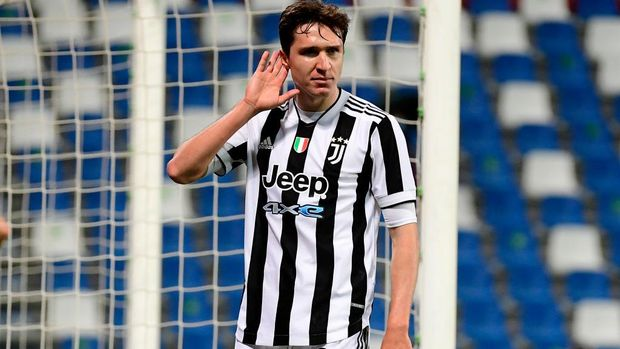 REGGIO NELL'EMILIA, ITALY - MAY 19: Federico Chiesa of Juventus celebrates after scoring their sides second goal  during the TIMVISION Cup Final between Atalanta BC and Juventus on May 19, 2021 in Reggio nell'Emilia, Italy. A limited number of fans will be allowed into the stadium as Coronavirus restrictions begin to ease in the UK. (Photo by Marco Rosi/Getty Images for Lega Serie A)