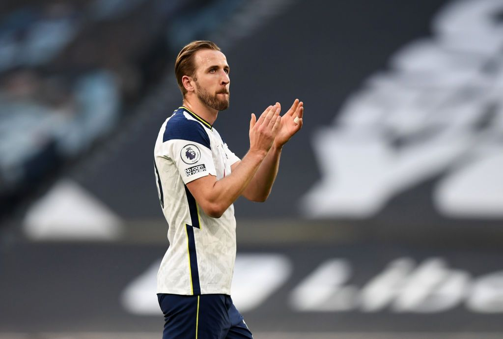 LONDON, ENGLAND - MAY 19: Harry Kane of Tottenham Hotspur applauds fans following the Premier League match between Tottenham Hotspur and Aston Villa at Tottenham Hotspur Stadium on May 19, 2021 in London, England. A limited number of fans will be allowed into Premier League stadiums as Coronavirus restrictions begin to ease in the UK. (Photo by Daniel Leal-Olivas - Pool/Getty Images)