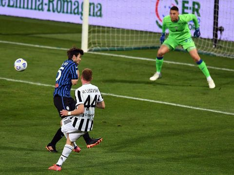 REGGIO NELL'EMILIA, ITALY - MAY 19: Dejan Kulusevski of Juventus scores the opening goal during the TIMVISION Cup Final between Atalanta BC and Juventus on May 19, 2021 in Reggio nell'Emilia, Italy. (Photo by Alessandro Sabattini/Getty Images for Lega Serie A)