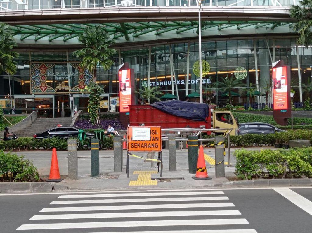 Tak Ada Lagi Pemotor Putar Balik di Trotoar Depan Kuningan City