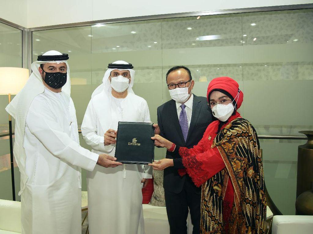 Emirates Teken Kerja Sama dengan Kemenparekraf, Siap Promosi Wisata RI