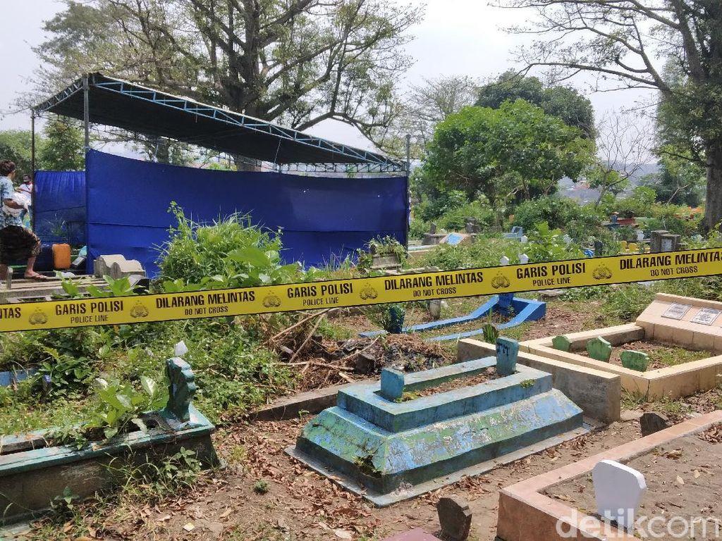 Diduga Meninggal Tak Wajar, Makam Warga di Malang Dibongkar