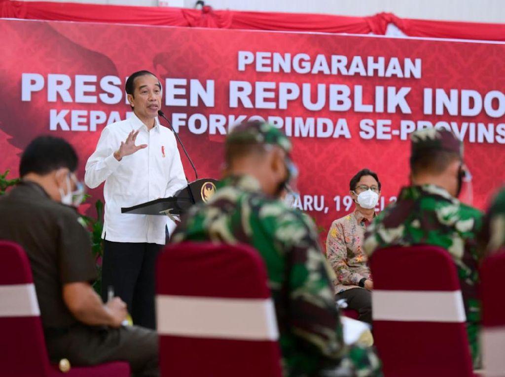 Jokowi Puji Anies-Mayjen Dudung-Irjen Fadil soal Kerja di Wisma Atlet