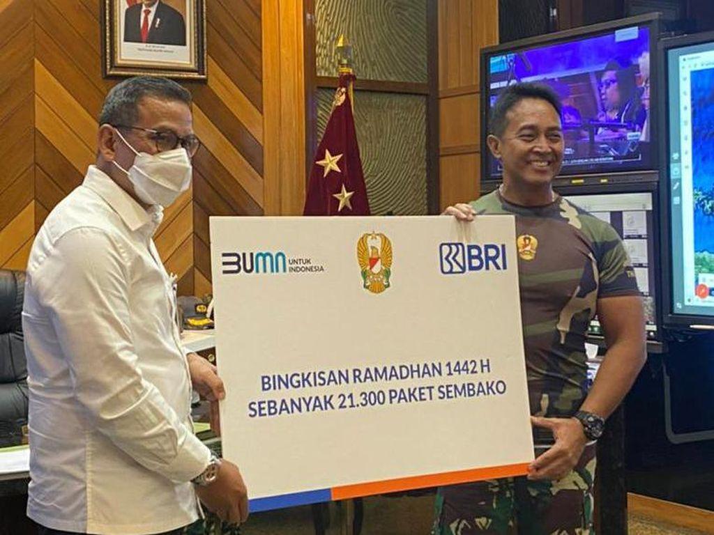 Puji TNI AD Tangani COVID-19, BRI Bagikan 21.300 Paket Sembako