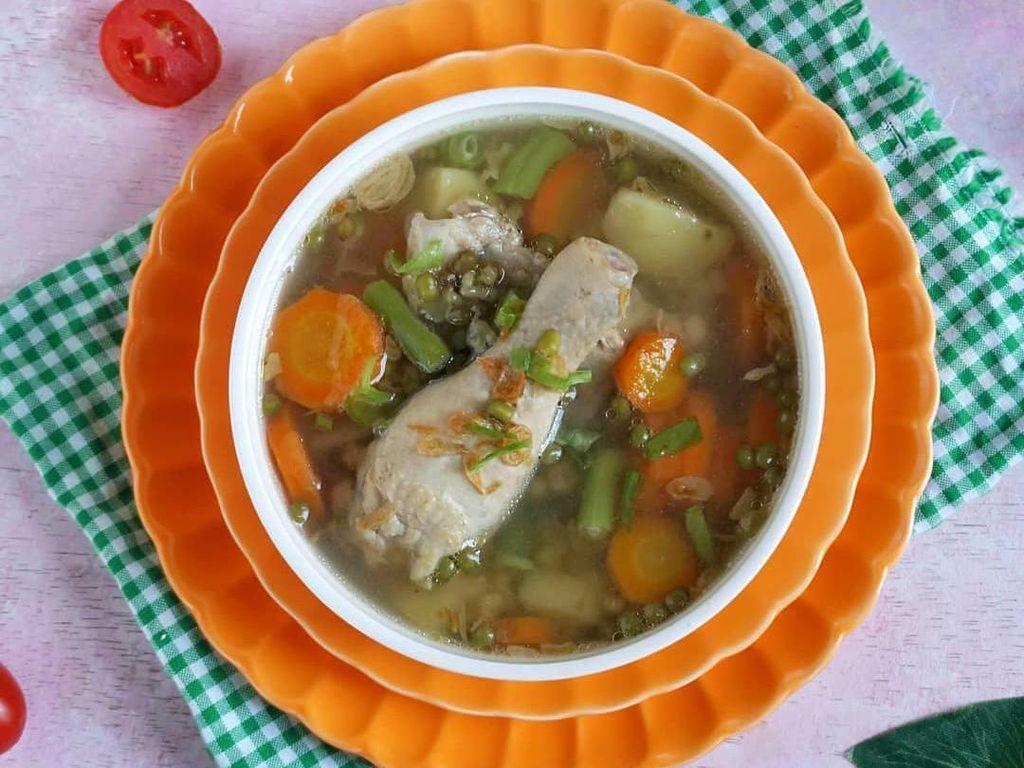 Resep Pembaca : Sup Ayam Kacang Hijau yang Bening Padat Nutrisi