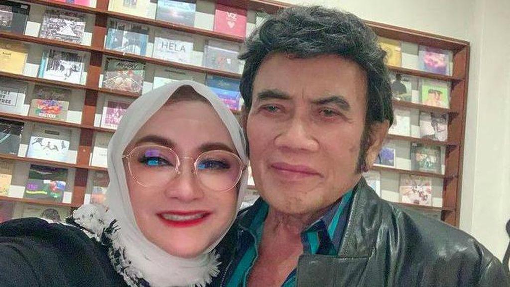 Ricca Rachim Istri Rhoma Irama yang Awet Muda di Usia 62