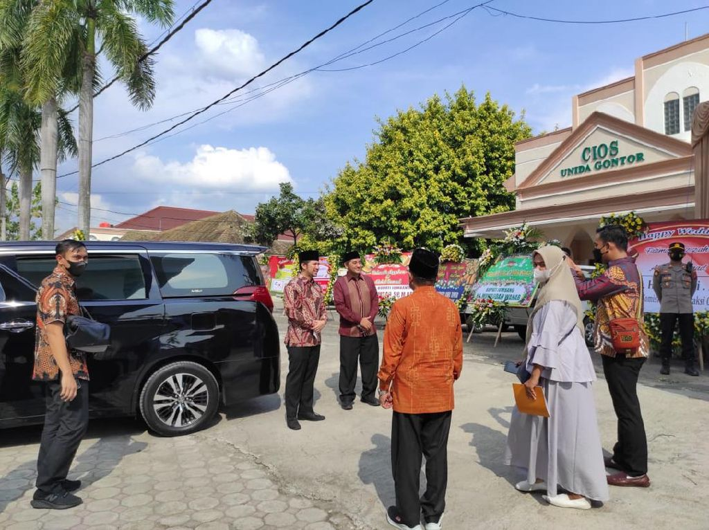 Wagub Emil Dardak Hadiri Resepsi Pernikahan Ustaz Abdul Somad di Ponorogo