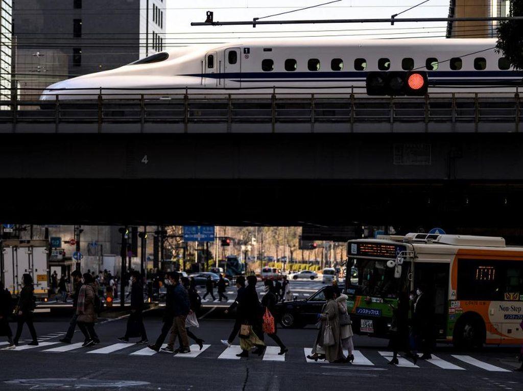 Masinis Kereta Peluru Jepang Diselidiki Gegara Pergi ke Toilet 3 Menit