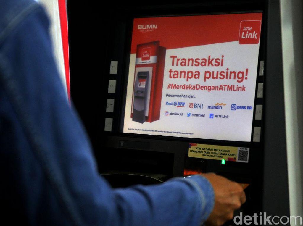 Ada Penyesuaian Tarif ATM Link, Ekonom: Pilihan Ada pada Nasabah