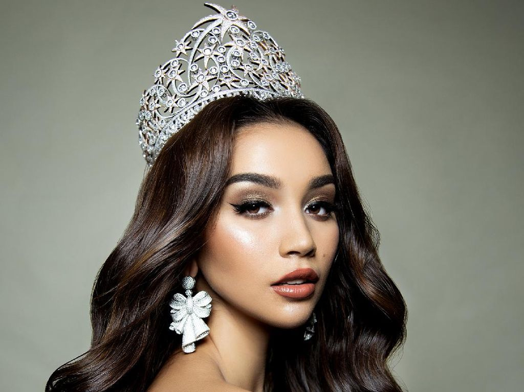 Foto 10 Pesona Sophia Rogan, Miss Grand Indonesia 2021 Pilihan Ivan Gunawan