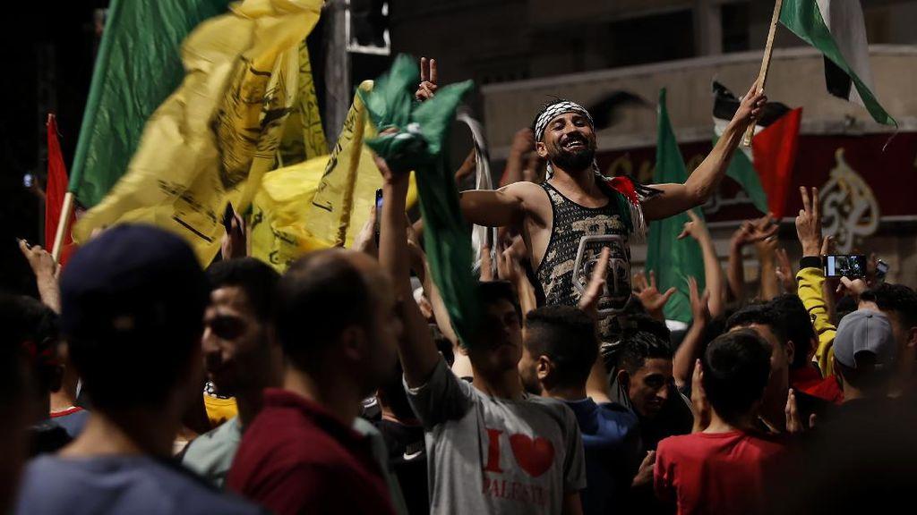 Sorak-sorai Warga Gaza Sambut Gencatan Senjata Hamas-Israel