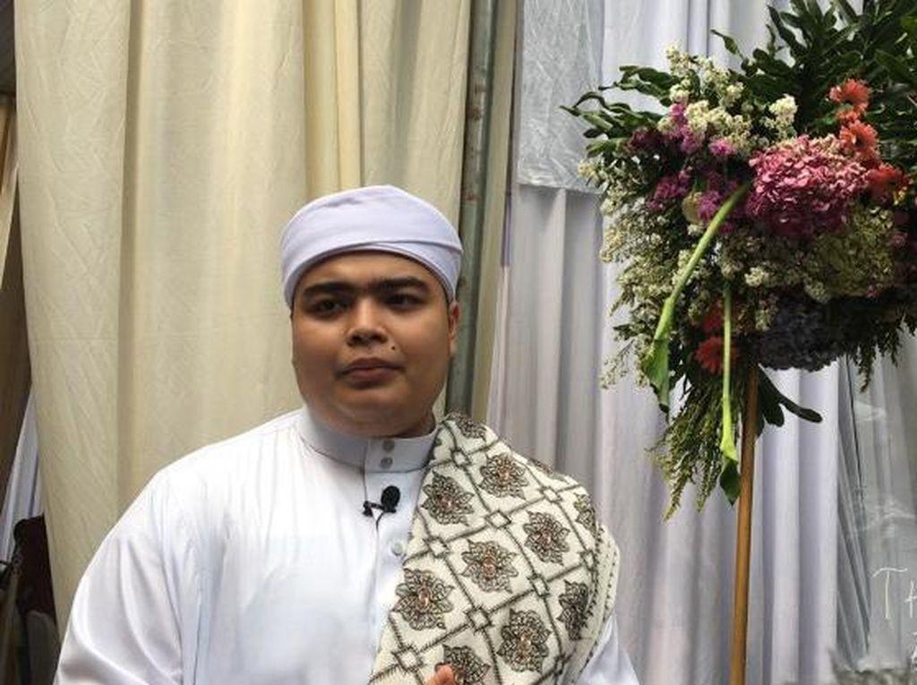 Jaga Iman di Acara Lamaran, Ameer Azzikra Tak Berani Lihat Wajah Calon Istri